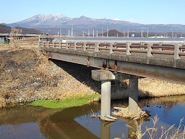 橋と山(2月4日)