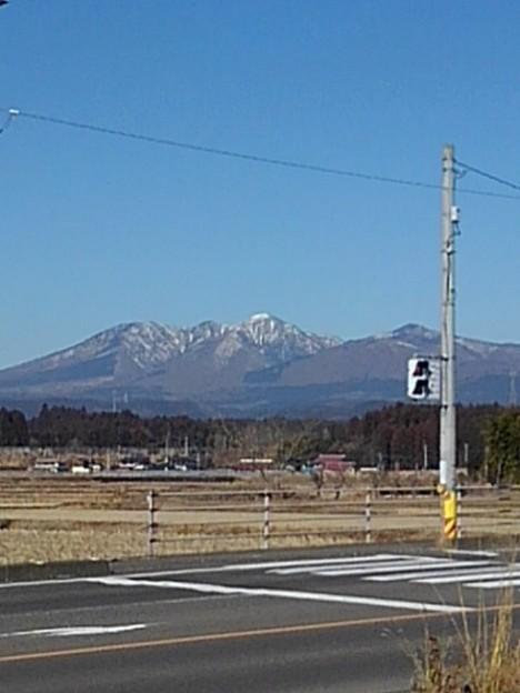 Photos: 山と信号(2月6日)