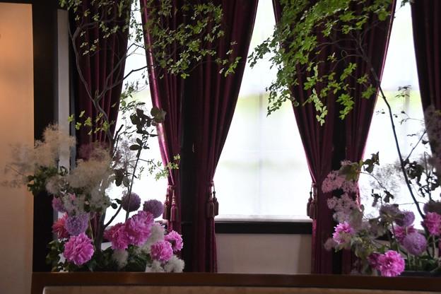 外交官の家ー花と器のハーモニーー