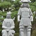 Photos: 真田信之像と妻の小松姫像
