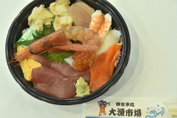 テイクアウトの海鮮丼