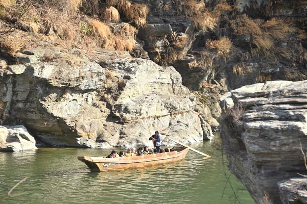 岩畳とこたつ舟