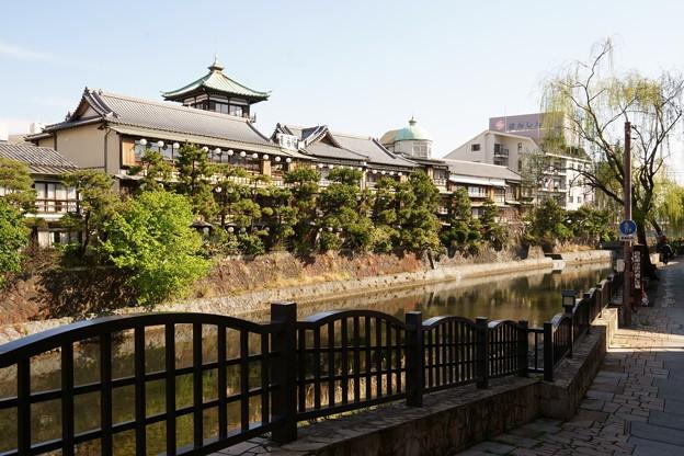 東海館と松川