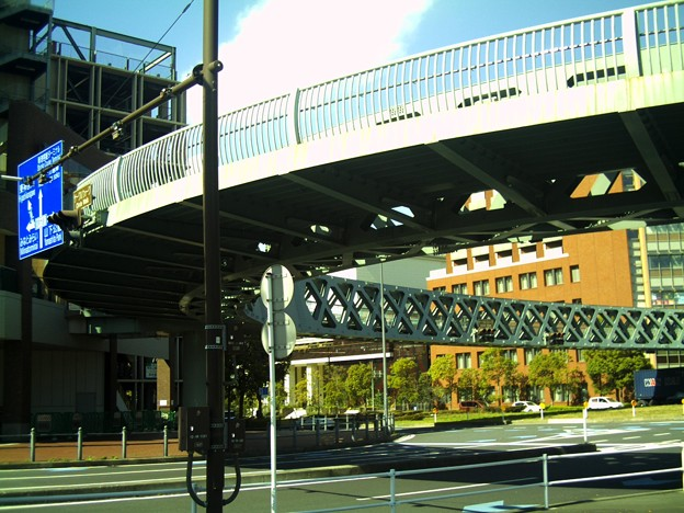 丸い歩道橋