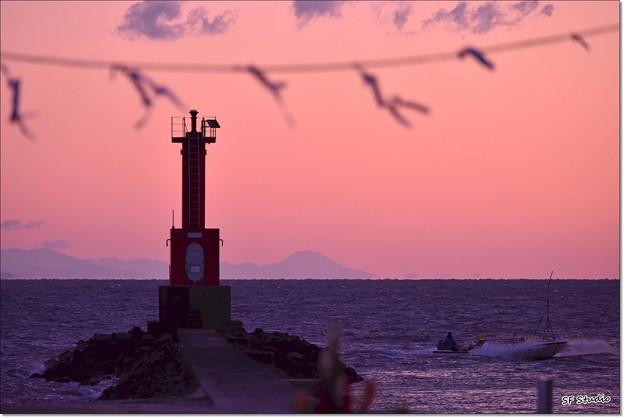 帰り船と富士山