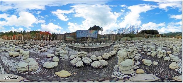 360度展望 未完の大作「虹の泉」