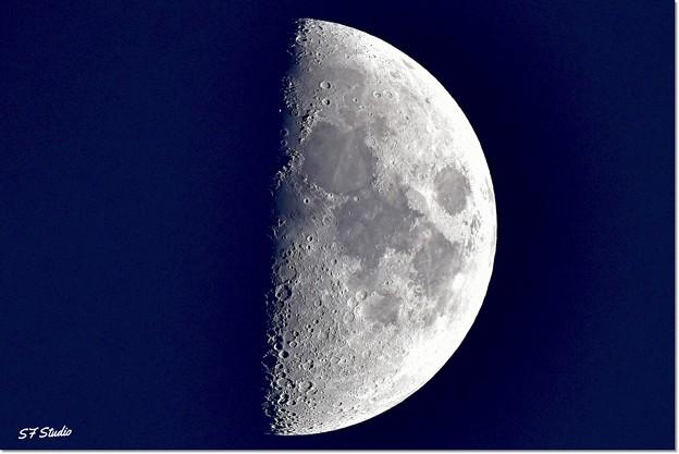 「月面Xと月面V」