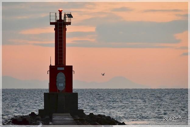 一富士 二鳥 三灯台