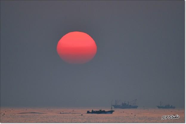 Photos: 赤い朝陽
