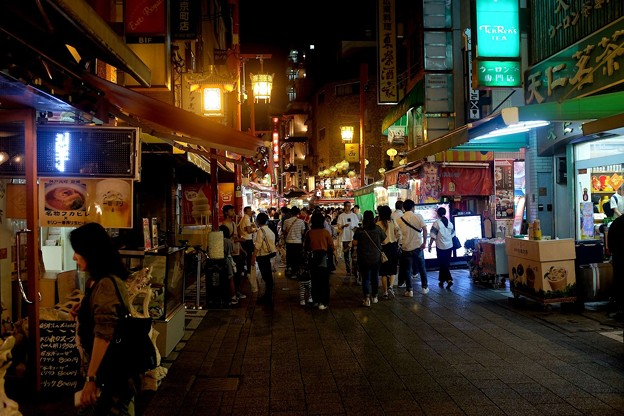 中秋節で賑わう神戸南京町