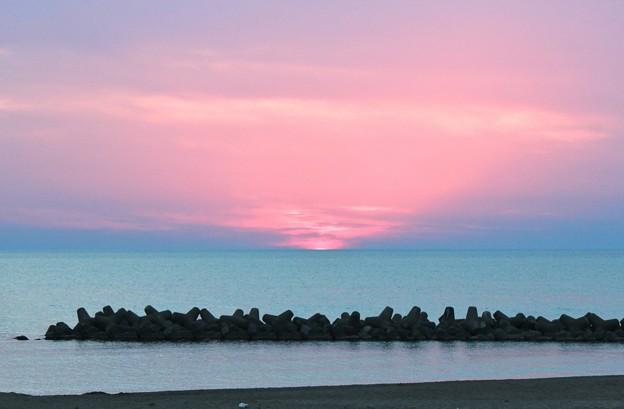 Photos: 浜辺の鎮魂歌 2