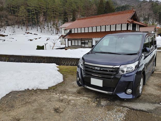 田舎で雪と愛車トヨタノア80