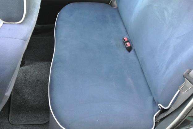 左後部座席 (2)