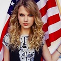 Beautiful Blue Eyes of Taylor Swift (10761)