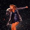 Beautiful Blue Eyes of Taylor Swift (10805)