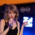 Photos: Beautiful Blue Eyes of Taylor Swift (10825)