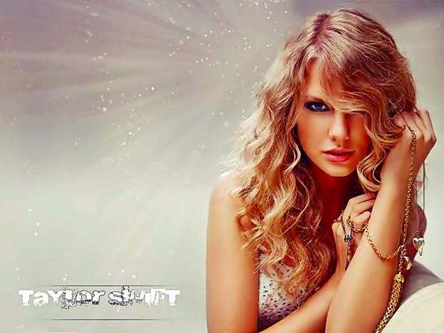 Photos: Beautiful Blue Eyes of Taylor Swift (10835)
