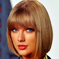 Beautiful Blue Eyes of Taylor Swift (10837)