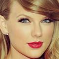 Beautiful Blue Eyes of Taylor Swift (10841)