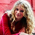 Photos: Beautiful Blue Eyes of Taylor Swift (10842)