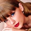 Beautiful Blue Eyes of Taylor Swift (10923)