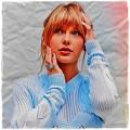 Beautiful Blue Eyes of Taylor Swift (10935)