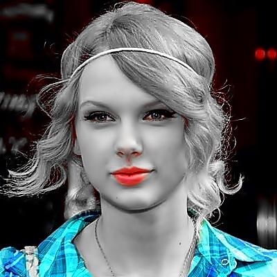 Beautiful Blue Eyes of Taylor Swift (11010)
