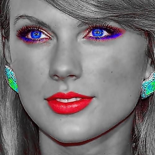 Beautiful Blue Eyes of Taylor Swift (11015)