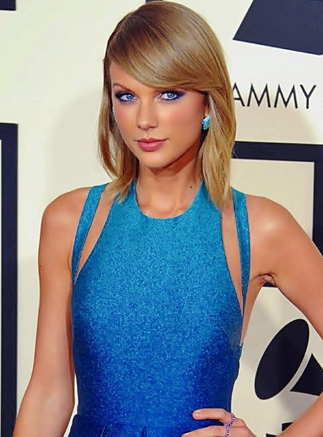 Beautiful Blue Eyes of Taylor Swift (11025)