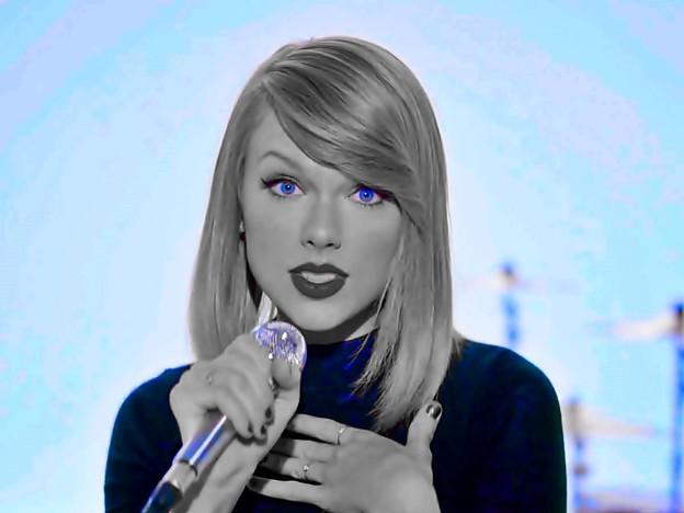 Beautiful Blue Eyes of Taylor Swift (11053)