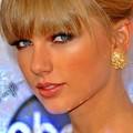 Photos: Beautiful Blue Eyes of Taylor Swift (11056)