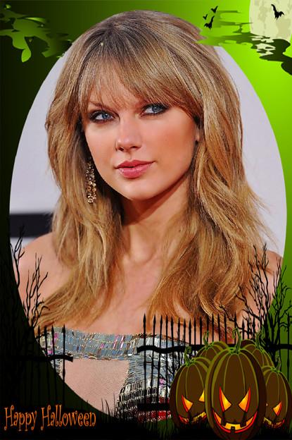 Beautiful Blue Eyes of Taylor Swift (11082)