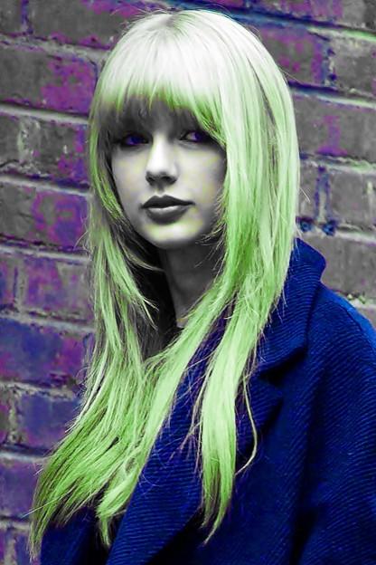 Beautiful Blue Eyes of Taylor Swift(11091)