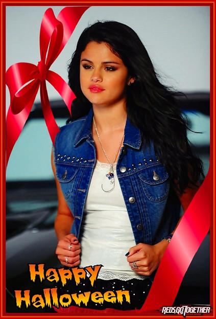 Photos: Selena Gomez's Halloween(10005)