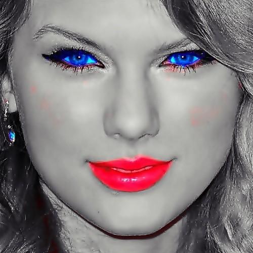 Beautiful Blue Eyes of Taylor Swift(11108)
