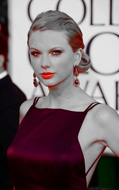 Beautiful Blue Eyes of Taylor Swift(11114)