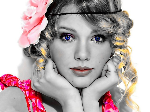 Beautiful Blue Eyes of Taylor Swift(11115)