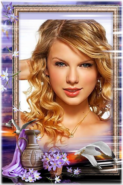 Beautiful Blue Eyes of Taylor Swift(11125)