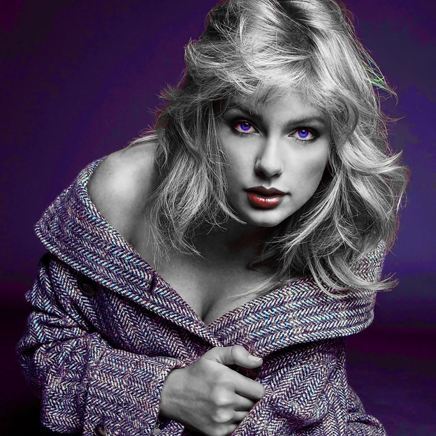 Beautiful Blue Eyes of Taylor Swift(11135)