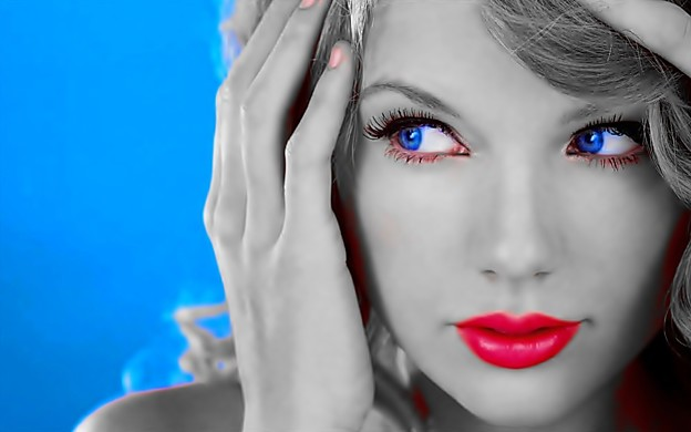 Beautiful Blue Eyes of Taylor Swift(11138)