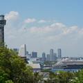 Photos: マリンタワーと飛鳥