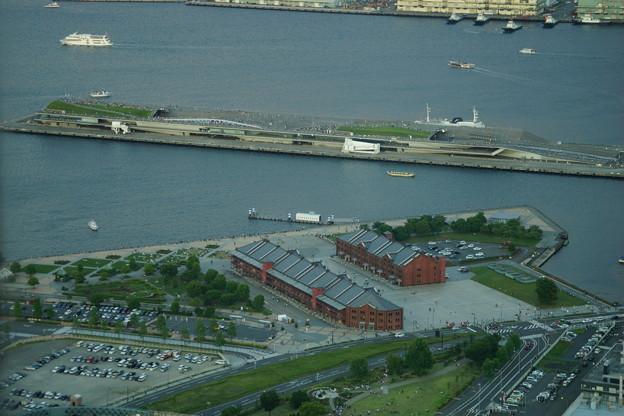 赤レンガ倉庫と大桟橋