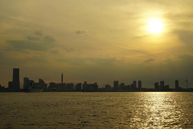 Photos: 大黒ふ頭の夕暮れ