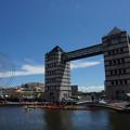 運河と観覧車