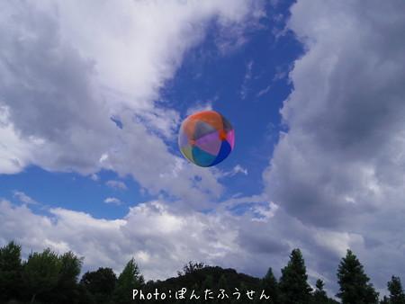 台風との境の空で