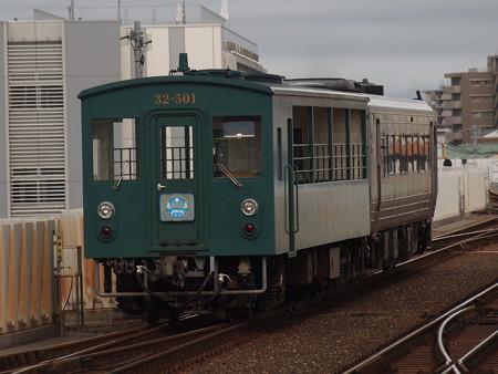 キクハ32形回送 土讃線高知駅