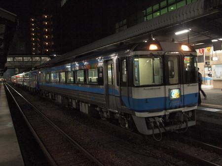 キハ185系特急うずしお 高徳線徳島駅