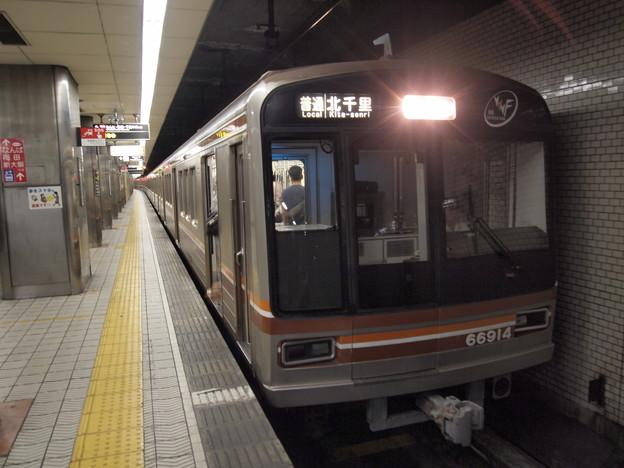 大阪市営地下鉄66系普通 堺筋線動物園前駅