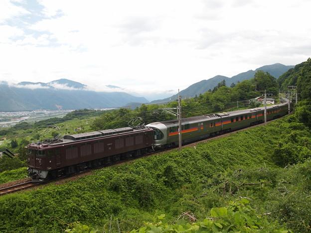 写真: EF64寝台特急カシオペア 篠ノ井線姨捨~稲荷山02