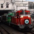 写真: 383系特急しなのと風っこ回送とE257系特急あずさ 篠ノ井線松本駅01